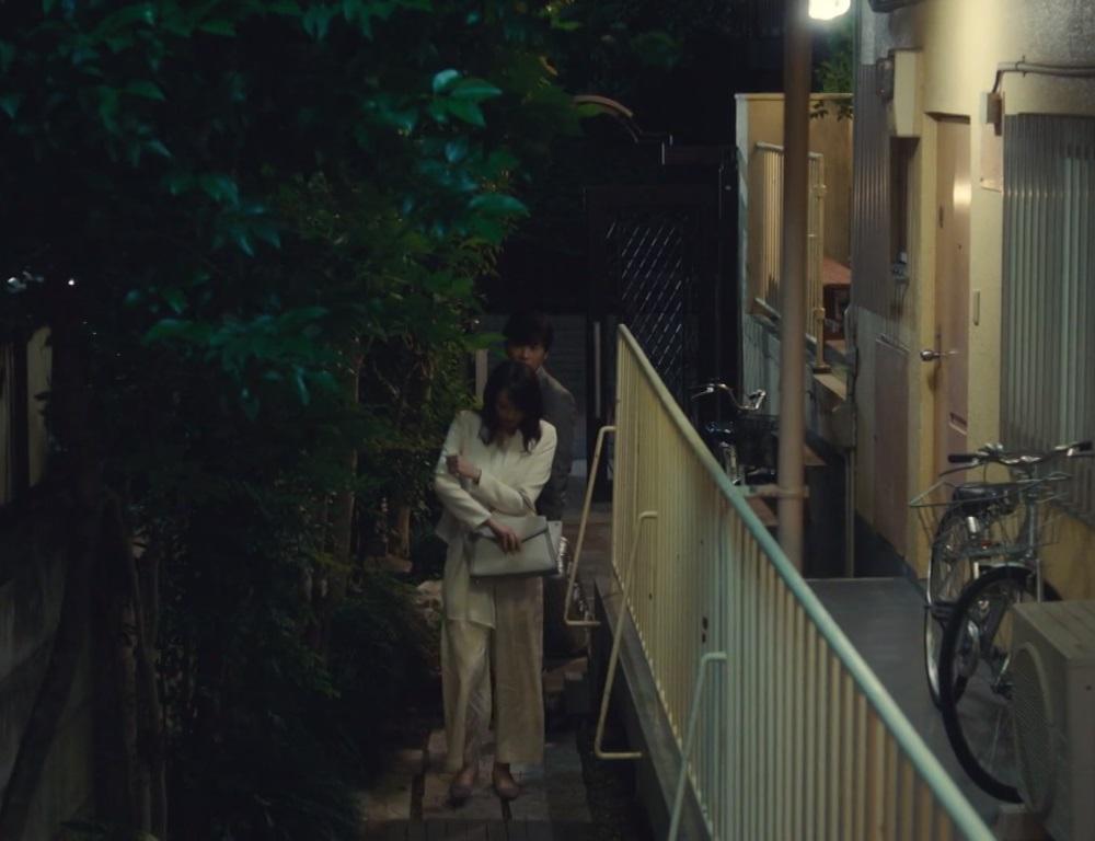 【獣になれない私たち・3話ドラマ衣装】新垣結衣の服・靴・バッグは?画像