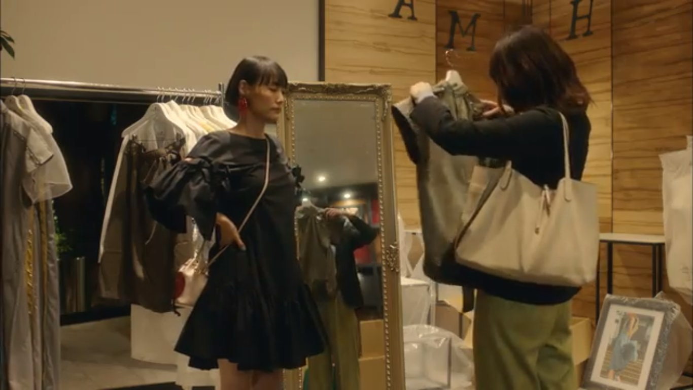 【獣になれない私たち・3話ドラマ衣装】菊地凛子の服・靴・バッグは?画像
